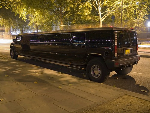 Birthday-Party-Limo-Service-Bellevue-Wa